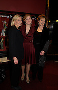 Vanessa Redgrave, Annabel Clark and Lynn Redgrave. book party 'Journal' A Mother & Daughter's Recovery from Breast Cancer' by Lynn Redgravewith photographs by her daughter Annabel Clark.  The Theatre Museum, Russell Street, London. 8th March 2005. ONE TIME USE ONLY - DO NOT ARCHIVE  © Copyright Photograph by Dafydd Jones 66 Stockwell Park Rd. London SW9 0DA Tel 020 7733 0108 www.dafjones.com