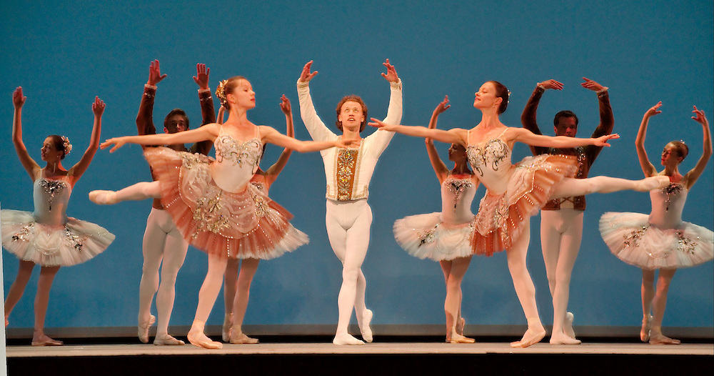 LONDON, ENGLAND - AUGUST 12: The Mariinsky Balle performs   'Homage To Balanchine' photocall at The Royal Opera House on August 12, 2009 in London, England.  (Photo by Marco Secchi/XianPix)...Standard Licence feee's apply  to all image usage.Marco Secchi - Xianpix tel +44 (0) 845 050 6211 .e-mail ms@msecchi.com .http://www.marcosecchi.com