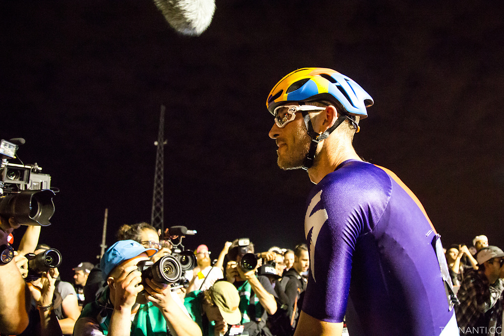 Winner Stefan Schafer (Specialized/Rocket Espresso) after the victory.<br /> Red Hook Criterium Brooklyn no.10<br /> Photo: Tornanti.cc