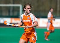 ROTTERDAM - HOCKEY - Oliver Polkamp  tijdens de oefenwedstrijd tussen de mannen van Nederland en Engeland (2-1) . FOTO KOEN SUYK