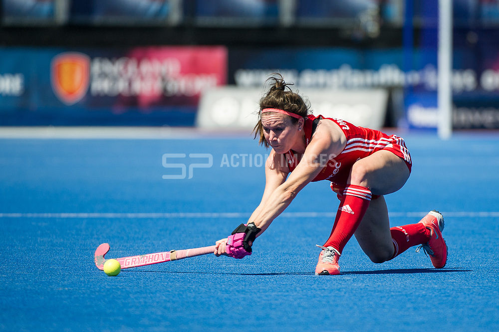 England's Laura Unsworth. England v Argentina, Lee Valley Hockey and Tennis Centre, London, England on 10 June 2017. Photo: Simon Parker