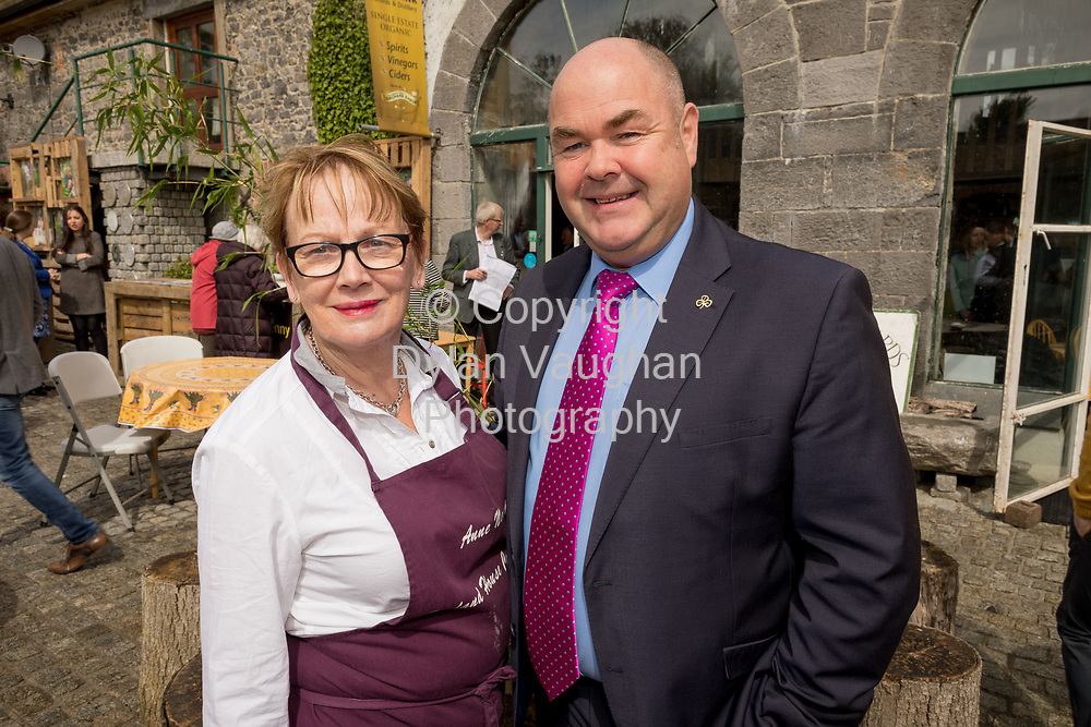 Repro Free No charge for Repro<br /> <br /> 24-4-17<br /> <br /> Helen Carroll of RTE&rsquo;s Ear to the Ground launched the next phase of #TasteKilkenny on Monday, 24th April at a lunch event at Highbank Orchards &amp; Distillery, Cuffesgrange, Co Kilkenny.<br /> <br /> Pictured at the launch were Anne Neary, Ryeland House Cookery School and Shane Raftery, Failte Ireland.<br />  <br /> An afternoon of tasting and presentations took place, including a welcome address by Cllr Matt Doran, Cathaoirleach and an update on the #TasteKilkenny initiative by Fiona Deegan. Followed by the official launch of the #TasteKilkenny website and videos.<br />  <br /> #TasteKilkenny was established as a collective of Kilkenny based producers and outlets to promote the vibrant food scene in Kilkenny and create a platform to showcase the very best of local food production. For more information see: www.TasteKilkenny.ie.<br /> <br /> Picture Dylan Vaughan.