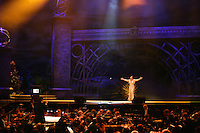 Christopher Warren-Green, Dame Shirley Bassey, Stage, The London Chamber Orchestra