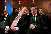 10 JAN 2011, KOELN/GERMANY:<br /> Peter Heesen (L), dbb Bundesvorsitzender, und Thomas de Maiziere (R), CDU, Bundesinnenminister, Politischer Auftakt, 52. Jahrestagung dbb beamtenbund und tarifunion, Congress-Centrum Nord Koelnmesse<br /> IMAGE: 20110110-01-119<br /> KEYWORDS: Köln, speech, Thomas de Maizière
