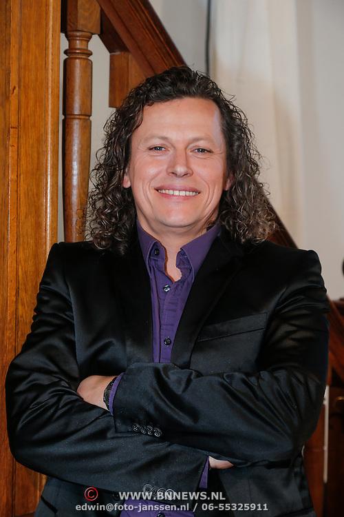 NLD/Loosdrecht/20130305 - Opname EO Mattheus Passion Masterclass 2013, zanger Syb van der Ploeg