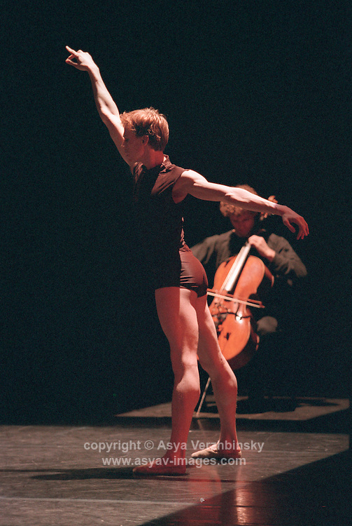 "Choreographer Cathy Marston's ""Unstrung Tension"" for Royal Ballet"