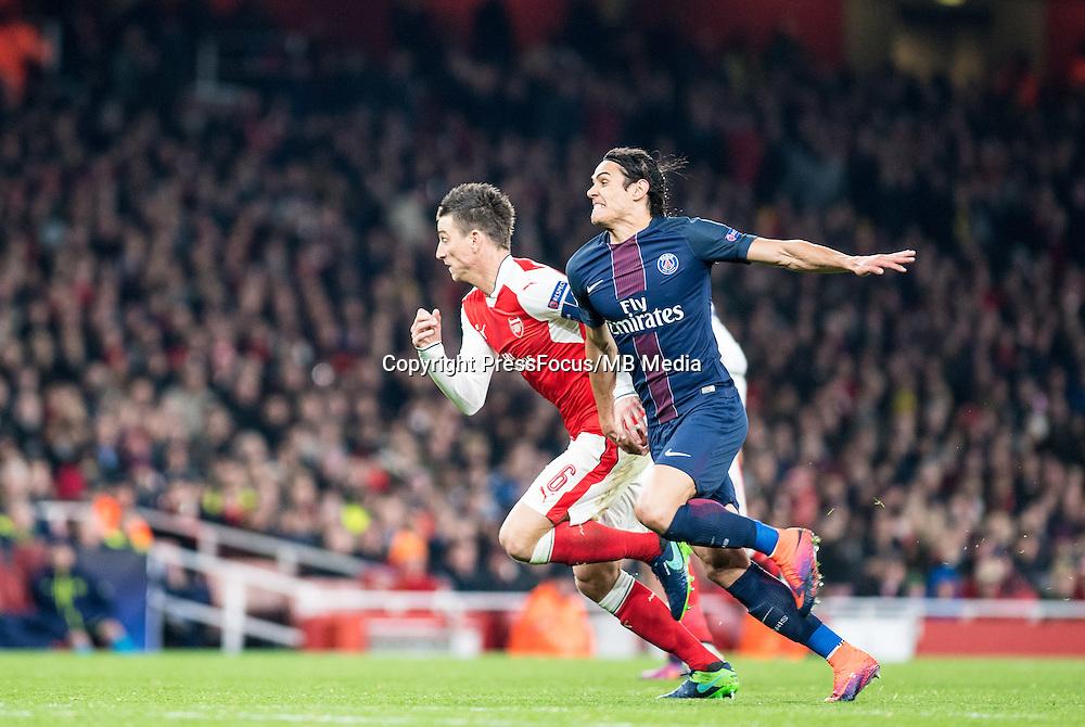 2016.11.23.London<br /> Pilka Nozna Liga Mistrzow sezon 2016/2017<br /> Arsenal vs Paris Saint-Germain<br /> n/z Laurent Koscielny Edinson Cavani<br /> foto Sebastain Frej / PressFocus <br /> <br /> 2016.11.23.London<br /> Football UEFA Champions League <br /> season 2017/2017<br /> Arsenal vs Paris Saint-Germain<br /> n/z Laurent Koscielny Edinson Cavani<br /> foto Sebastain Frej / PressFocus