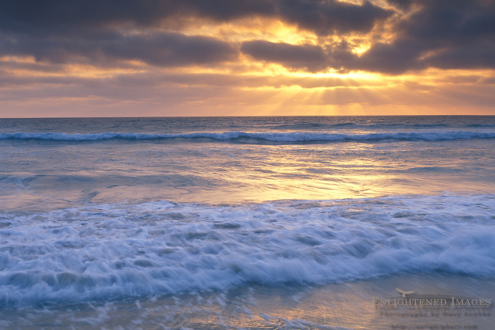 Sunset over the Pacific Ocean+from Torrey Pines State Beach, San Diego County, CALIFORNIA