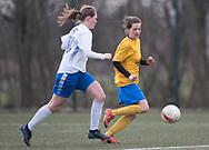 FODBOLD: Ika Nimb (Ølstykke FC) under kampen i Sjællandsserien mellem Ølstykke FC og Herlufsholm GF den 12. april 2018 på Ølstykke Stadion (kunstgræs). Foto: Claus Birch.