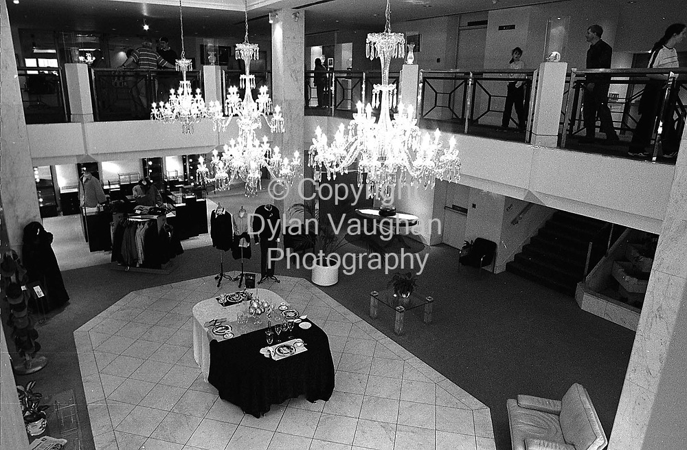5/8/98 IRISH INDEPENDENT.THE WATERFORD CRYSTAL PLANT'S VISITOR CENTER IN WATERFORD.PICTURE DYLAN VAUGHAN