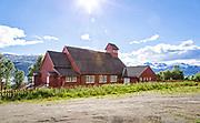 Kåfjord kirke i Olderdalen ligger i Kåfjord sokn i Nord-Troms prosti. Den er bygget i tre, og som så mange kirker i Nord-Norge er den fra etter andre verdenskrig.<br /> Kåfjords første kirkelige bygg var et kapell reist i 1722 i forbindelse med samemisjonen, hvor Thomas von Westen var en ledende skikkelse.<br /> Under andre verdenskrig ble alle hus i kommunen brent av tyskerne, og befolkningen evakuert. Kåfjord var den sørligste kommunen som ble nedbrent, den 16. november 1944.<br /> I 1949 fikk Kåfjord ny kirke. Kirken ble reist på initiativ fra innbyggerne i Olderdalen, ved hjelp av innsamlete midler og blant annet med gjenbruk av materialer. Kirsten Sand fra Finnmark var arkitekt. Kirken ble påbygd i 1989-90. Kåfjord kirke er en rødmalt langkirke i tre med smalere og lavere kor og saltak. Over mønet mot vest står en takrytter. Kirkerommet er enskipet og har tredelt himling. Over inngangspartiet er det galleri. I kirkeskipet henger en modell av en fembøring laget av Mikal Mathiassen fra Arnøyhamn i 1954. Altertavlen, som tidligere hang i Sande kirke, ble innkjøpt fra Gaular prestegjeld i 1954.<br /> Kåfjord kommune (nordsamisk: Gáivuona suohkan, kvensk: Kaivuonon komuuni) ligger i Troms, ved Kåfjorden, den østlige armen av Lyngenfjorden. Den grenser i nord og øst mot Nordreisa, i sør mot Storfjord, og i vest mot Lyngen. Kåfjord har i sørøst også grense mot Finland. Kommunen hører til regionen Nord-Troms. Deler av befolkningen er av samisk og kvensk avstamming. Kilder: Rasmussen, Alf Henry: Våre kirker. Norsk kirkeleksikon, Kirkenær 1993, Wisløff, Dag Sigurd: Kirkejubileum 1722-1972, Tromsø 1972, og Wikipedia.