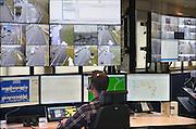 Nederland, Helmond, 25-3-2015Opening verkeerscentrale Zuid-Nederland en De Innovatiecentrale.Minister Schultz opent de nieuwe verkeerscentrale én De Innovatiecentrale van Rijkswaterstaat in Noord-Brabant. Met de Innovatiecentrale worden grote testen op de openbare weg met nieuwe slimme autotechnieken gefaciliteerd. Van hieruit worden alle incidenten die met de cameras te zien zijn behandeld en worden de weginspecteurs aangestuurd. De matrixborden worden bediend en ze fungeren als meldcentrale.FOTO: FLIP FRANSSEN/ HOLLANDSE HOOGTE