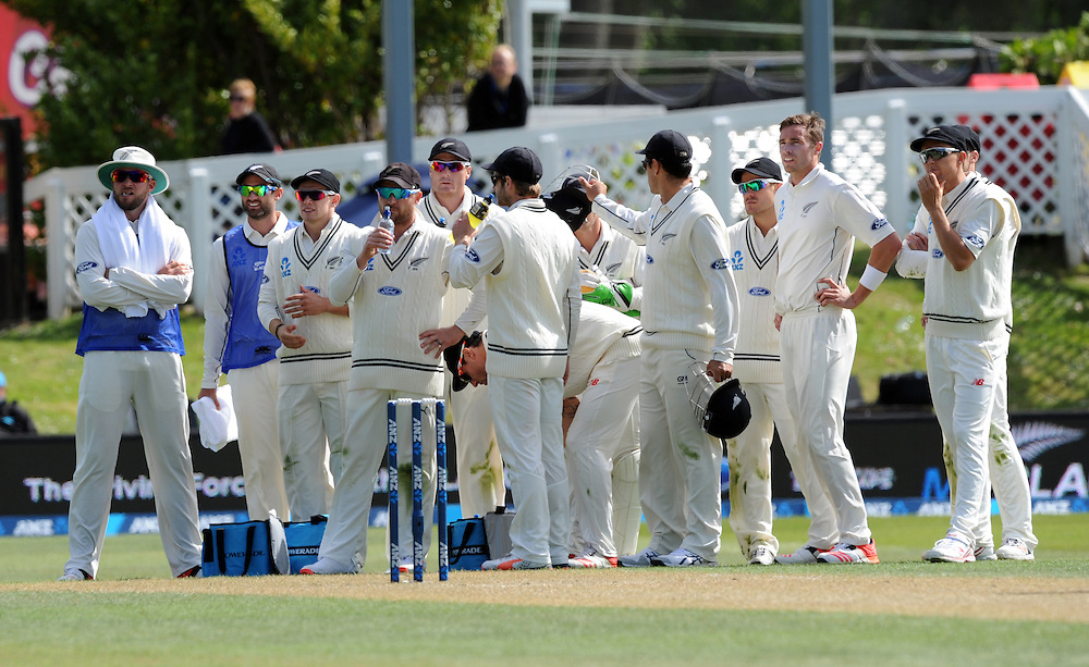 New Zealand watch the big screen for the decision which gave out Sri Lanka's Angelo Mathews lbw for 2 on day two of the first International Cricket Test, University Cricket Oval, Dunedin, New Zealand, Friday, December 11, 2015. Credit:SNPA / Ross Setford