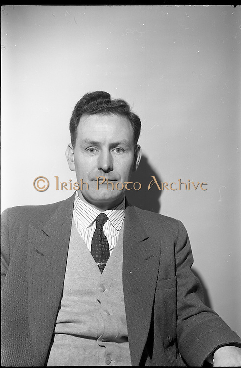 04/02/1964<br /> 02/04/1964<br /> 04 February 1964<br /> Esso Film Award and Esso Directors at Esso offices, Stillorgan, Dublin. Image shows Mr J.M. Donovan, Director Esso.