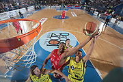 DESCRIZIONE : Porto San Giorgio Lega A 2009-10 Playoff Quarti di Finale Gara 3 Sigma Coatings Montegranaro Armani Jeans Milano<br /> GIOCATORE : Jamine Arnold Andrea Cinciarini<br /> SQUADRA : Armani Jeans Milano Sigma Coatings Montegranaro<br /> EVENTO : Campionato Lega A 2009-2010 <br /> GARA : Sigma Coatings Montegranaro Armani Jeans Milano<br /> DATA : 25/05/2010<br /> CATEGORIA :  tiro rimbalzo special <br /> SPORT : Pallacanestro <br /> AUTORE : Agenzia Ciamillo-Castoria/C.De Massis<br /> Galleria : Lega Basket A 2009-2010 <br /> Fotonotizia : Siena Lega A 2009-10 Playoff Quarti di Finale Gara 3 Sigma Coatings Montegranaro Armani Jeans Milano<br /> Predefinita :