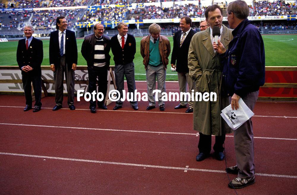 09.09.1992.Tommy Lindholm Anssi Kukkosen haastattelussa.©JUHA TAMMINEN