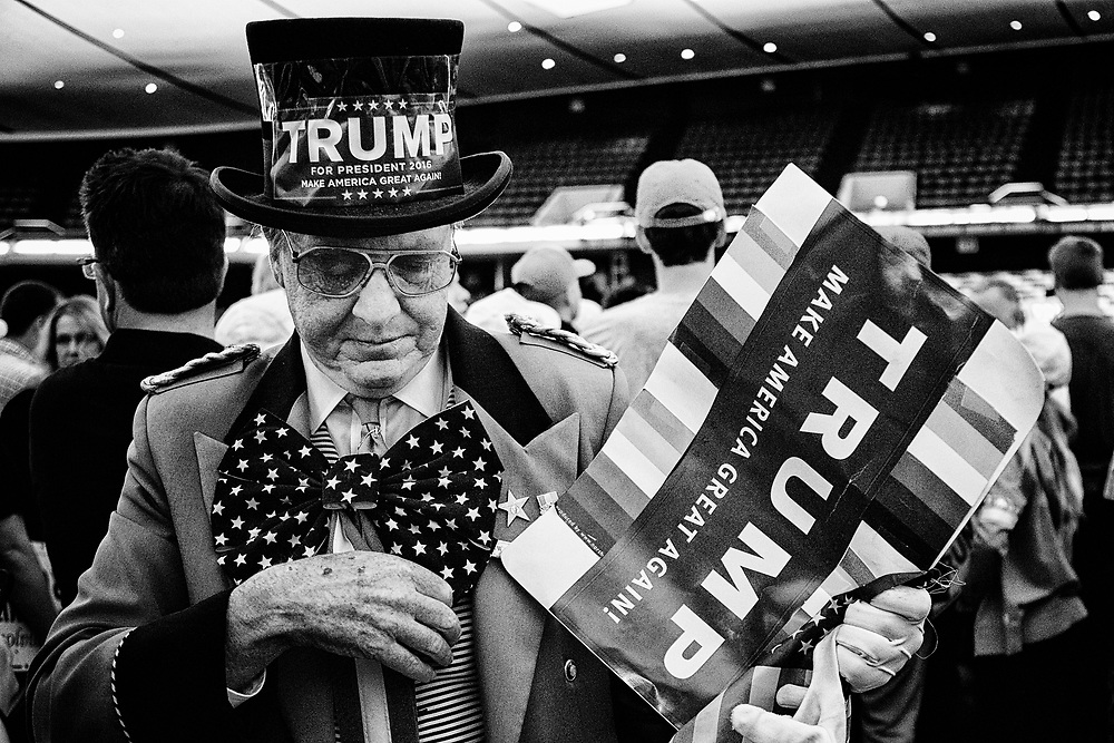 "Self proclaimed ""Trump Ambassador"" Gregg Donovan. Anaheim, Calif. May 26, 2016. (Photo by Gabriel Romero ©2016)"