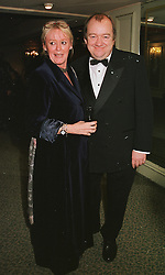 MR & MRS MEL SMITH he is the comedian, at a dinner in London on 23rd February 1999.MOR 15