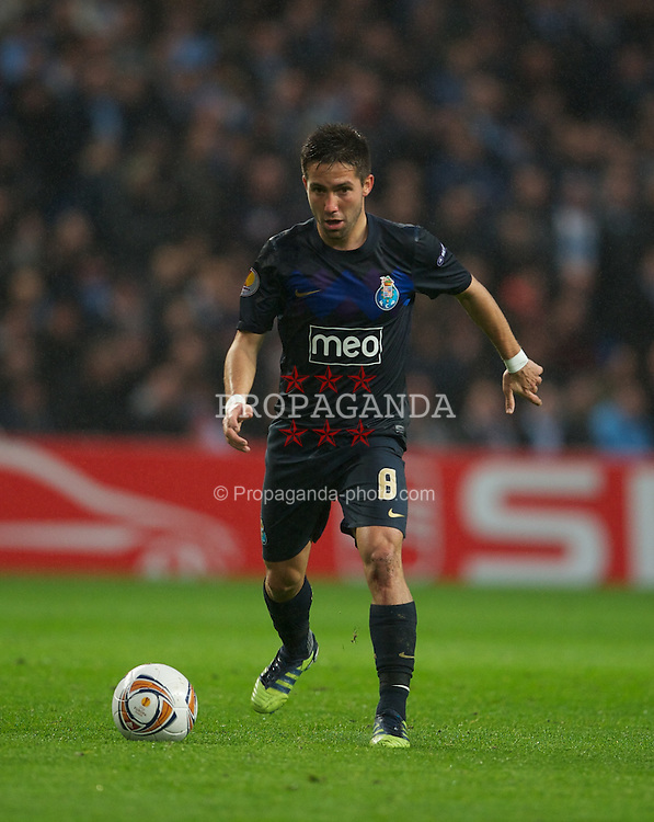 MANCHESTER, ENGLAND - Wednesday, February 22, 2012: FC Porto's Joao Moutinho in action against Manchester City during the UEFA Europa League Round of 32 2nd Leg match at City of Manchester Stadium. (Pic by David Rawcliffe/Propaganda)