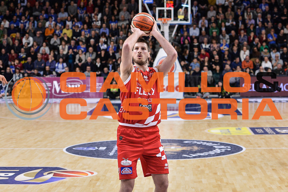 Daniele Magro<br /> Banco di Sardegna Dinamo Sassari - The Flexx Pistoia Basket<br /> Legabasket Serie A LBA Poste Mobile 2016/2017<br /> Sassari 04/03/2017