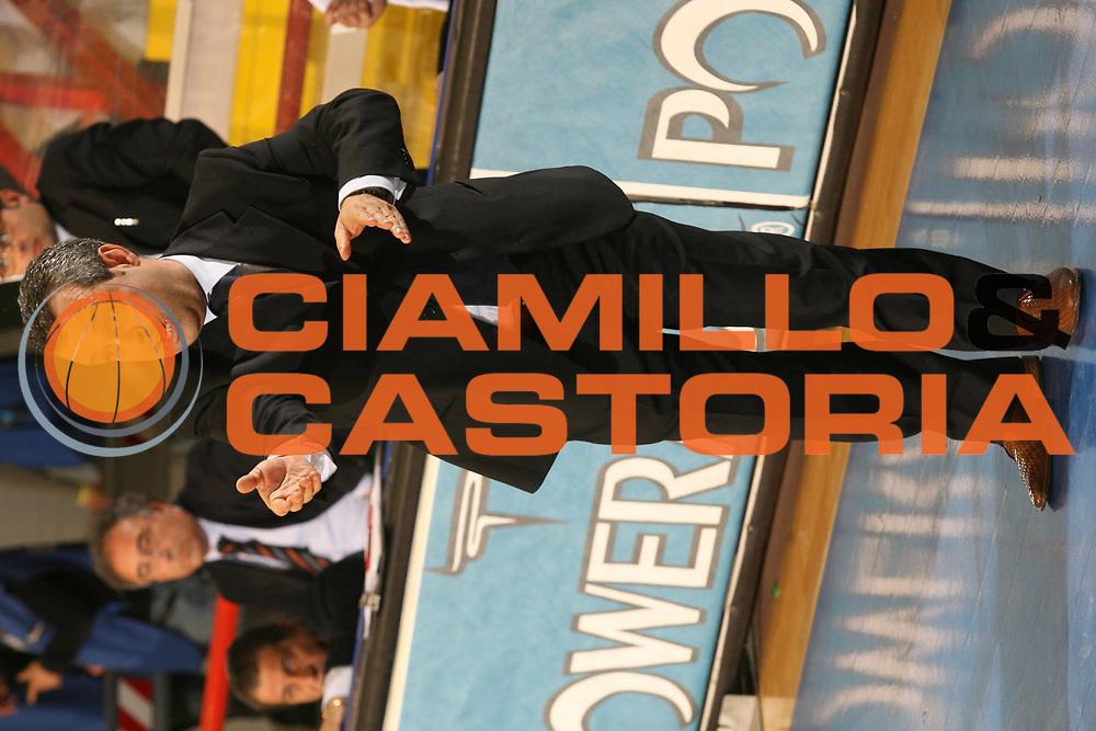 DESCRIZIONE : Napoli Lega A1 2005-06 Carpisa Napoli Upea Capo Orlando<br />GIOCATORE : Perdichizzi<br />SQUADRA : Upea Capo Orlando<br />EVENTO : Campionato Lega A1 2005-2006<br />GARA : Carpisa Napoli Upea Capo Orando<br />DATA : 04/05/2006<br />CATEGORIA : <br />SPORT : Pallacanestro<br />AUTORE : Agenzia Ciamillo-Castoria/G.Ciamillo