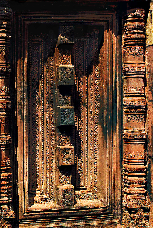 Angkor, Banteay Srei, false door with carved fill and flanking pillars; a doorway to nowhere.