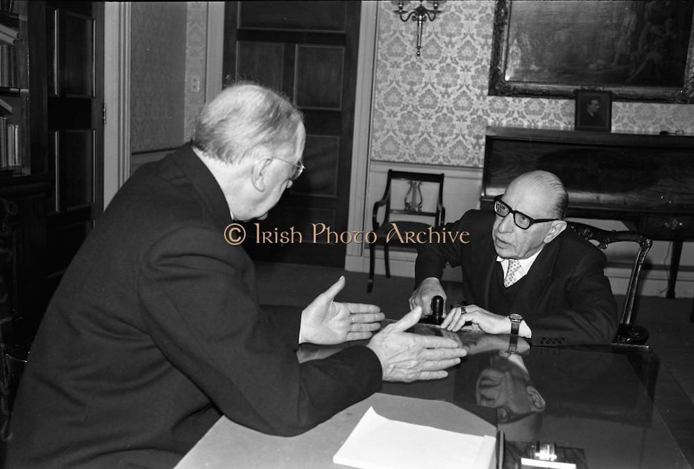 The Addergoole Titanic Society Gathering has a long tradition. People were discussing about the Titanic in the past as well. Irish Photo Archive wishes a wonderful Titanic Society Gathering.