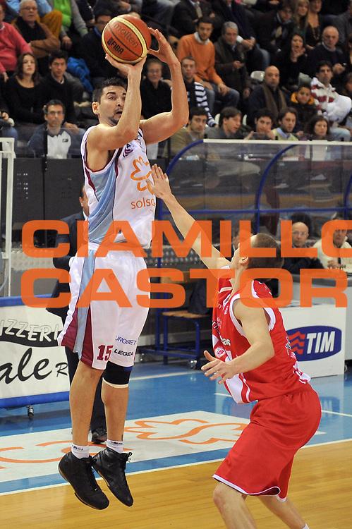 DESCRIZIONE : Rieti Lega A1 2008-09 Solsonica Rieti Bancatercas Teramo<br /> GIOCATORE : Mario Gigena<br /> SQUADRA : Solsonica Rieti<br /> EVENTO : Campionato Lega A1 2008-2009 <br /> GARA : Solsonica Rieti Bancatercas Teramo<br /> DATA : 07/12/2008 <br /> CATEGORIA : Tiro<br /> SPORT : Pallacanestro <br /> AUTORE : Agenzia Ciamillo-Castoria/E.Grillotti