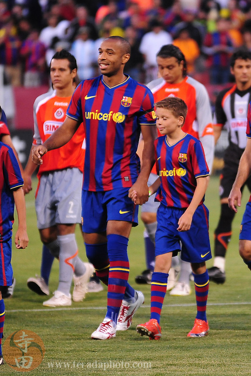 August 8, 2009; San Francisco, CA, USA; FC Barcelona forward Thierry Henry (14) before the match in the Night of Champions international friendly contest against Chivas de Guadalajara at Candlestick Park.