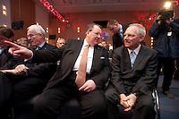 12 JAN 2009, KOELN/GERMANY:<br /> Peter Heesen (L), Bundesvorsitzender dbb, und Wolfgang Schaeuble (R), CDU, Bundesinnenminister, im Gespraech, 50. Gewerkschaftspolitische Arbeitstagung des Deutschen Beamtenbundes, dbb, Messe Koeln<br /> IMAGE: 20090112-01-061<br /> KEYWORDS: Wolfgang Schäuble, Gespräch