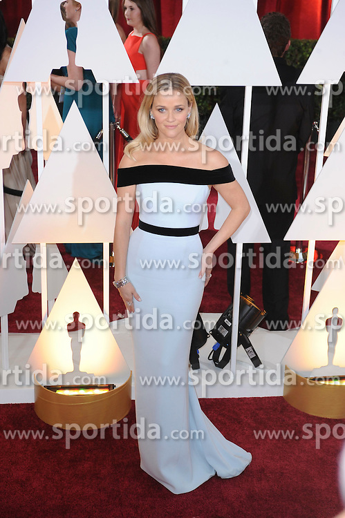 22.02.2015, Dolby Theatre, Hollywood, USA, Oscar 2015, 87. Verleihung der Academy of Motion Picture Arts and Sciences, im Bild Reese Witherspoon // attends 87th Annual Academy Awards at the Dolby Theatre in Hollywood, United States on 2015/02/22. EXPA Pictures &copy; 2015, PhotoCredit: EXPA/ Newspix/ PGMP<br /> <br /> *****ATTENTION - for AUT, SLO, CRO, SRB, BIH, MAZ, TUR, SUI, SWE only*****