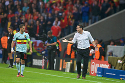 LILLE, FRANCE - Friday, July 1, 2016: Belgium manager Marc Wilmots issues instructions to Eden Hazard during the UEFA Euro 2016 Championship Quarter-Final match against Wales at the Stade Pierre Mauroy. (Pic by Paul Greenwood/Propaganda)