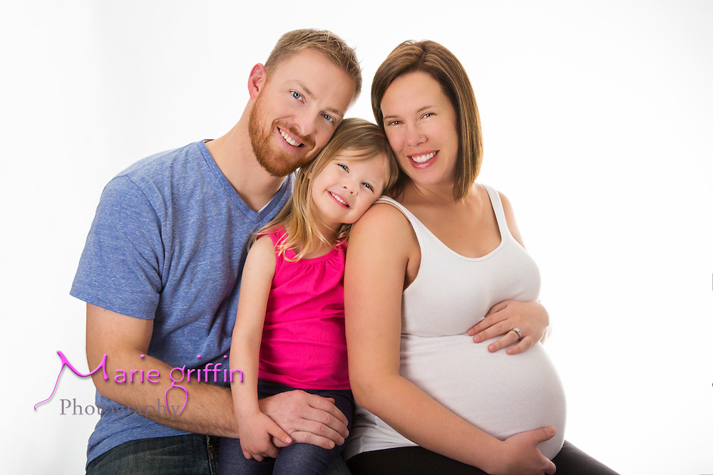 Lisa, Jake and Zoey Runia Maternity Photo session on Dec. 21, 2014.<br /> Photography by: Marie Griffin Dennis/Marie Griffin Photography<br /> mariegriffinphotography.com<br /> mariefgriffin@gmail.com
