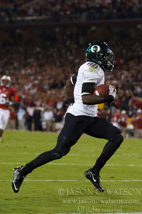 Nov 12, 2011; Stanford CA, USA;  Oregon Ducks running back De'Anthony Thomas (6) rushes for a touchdown after a pass reception against the Stanford Cardinal during the second quarter at Stanford Stadium.  Mandatory Credit: Jason O. Watson-US PRESSWIRE