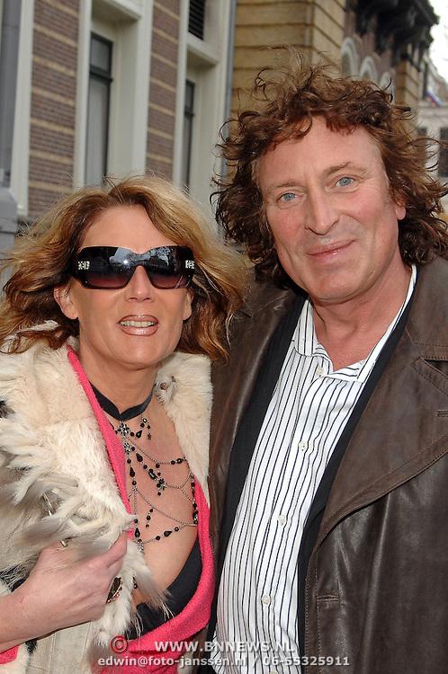 NLD/Amsterdam/20070304 - Modeshow Frans Molenaar voorjaar 2007, Ruurd Hallema en partner Yvonne