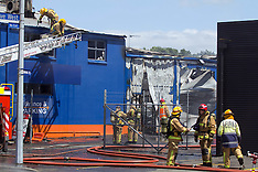Tauranga-Fire engulfs commercial building