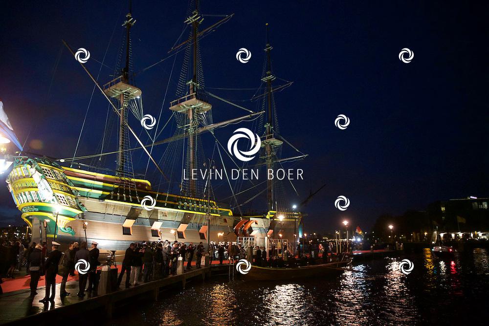 AMSTERDAM - In het scheepvaartmuseum is de Nederlandse speelfim 'Michiel de Ruyter' in premiere gegaan. Met hier op de foto  de Cast en Crew van de film. FOTO LEVIN DEN BOER - PERSFOTO.NU
