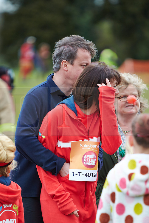 © Licensed to London News Pictures.  23/03/2014. OXFORD, UK. Prime minister DAVID CAMERON (left) and wife SAMANTHA CAMERON (right) and family at the start of the Oxford Sport Relief Mile. Photo credit: Cliff Hide/LNP