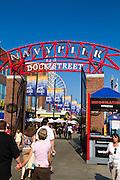 Chicago, IL, Navy pier main gate.