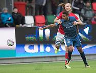 FODBOLD: Simon Jakobsen (Silkeborg IF) har fat i Douglas Ferreira (FC Helsingør) under kampen i ALKA Superligaen mellem Silkeborg IF og FC Helsingør den 31. marts 2018 i Jysk Park, Silkeborg. Foto: Claus Birch.