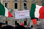"Roma 26 Settembre 2009.Manifestazione per ""Agenda Rossa"",l'agenda sottratta al magistrato Paolo Borsellino ucciso dalla mafia nel 1992 e per giustizia e verità sulle stragi di mafia..Demonstration for ""Red Agenda"", the notebook escaped to the magistrate Paolo Borsellino killed by the mafia in 1992 and for justice and truth on the slaughters of mafia..The Banner reads: The Judas stays in power."