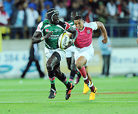 Kenya's Collins Injera is chased by England's Marcus Watson in the final at the IRB International Rugby Sevens, Westpac, Wellington, New Zealand, Saturday, February 02, 2013. Credit:SNPA / Ross Setford