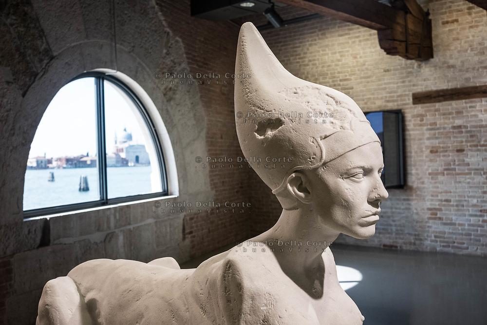"Venezia - Punta della Dogana . La mostra di Damien Hirst: ""Tresaures from the Wreck of Unbelievable. ""Sphinx""."