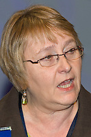 Hilary Bills, Executive, speaking at the NUT Conference 2008, Manchester...© Martin Jenkinson, tel 0114 258 6808 mobile 07831 189363 email martin@pressphotos.co.uk. Copyright Designs & Patents Act 1988, moral rights asserted credit required. No part of this photo to be stored, reproduced, manipulated or transmitted to third parties by any means without prior written permission   NUT08