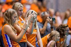 24-08-2017 NED: World Qualifications Netherlands - Czech Republic, Rotterdam<br /> Oranje support voor aanvang van de wedstrijd