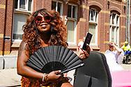 23-07-2018 ROZE MAANDAG:TILBURG<br /> De Roze Maandag op de Tilburgse kermis trok volgens traditie vele duizenden kleurrijke bezoekers. Er waren extra waterpunten ivm de warmte<br /> <br /> Berget Lewis<br /> <br /> Foto: Geert van Erven