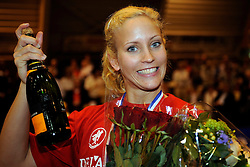 26-04-2008 VOLLEYBAL: DELA MARTINUS - AMVJ: AMSTELVEEN<br /> Martinus landskampioen 2007-2008 / Kim Staelens<br /> &copy;2008-WWW.FOTOHOOGENDOORN.NL