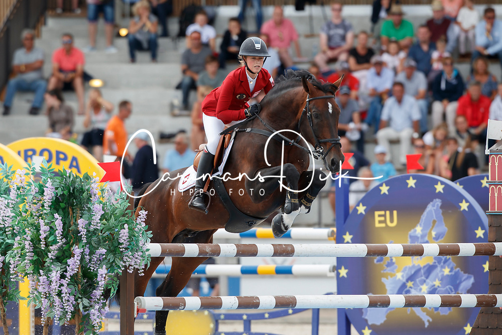 Klapinska Laura, POL, Santiago<br /> Children European Championships Jumping <br /> Samorin 2017&copy; Hippo Foto - Dirk Caremans<br /> 12/08/2017