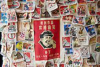 hine, Shanghai, Nanshi l'ancienne ville chinoise, boutique de souvenir, Mao //China, Shanghai, Nanshi the old chinese city, souvenir shop, Mao