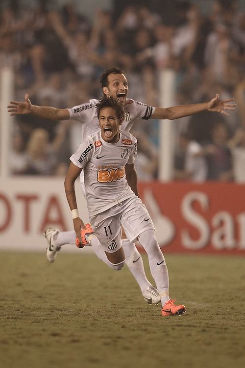 Santos, Brazil, May 24 of 2012: Santos won Velez Sarsfield in the quarterfinal game of Libertadores da America Cup, at Vila Belmiro Stadium, in Santos . (Photo: Caio Guatelli)